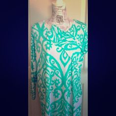 Mint & White Damask Tunic White & Turquoise Damask Dolman Sleeve Tunic. Tops Tunics
