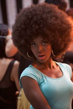 Backstage Beauty: Amara 'La Negra' Santos at Jumbo Fashionista