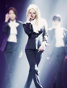 SNSD Hyoyeon <3 ; get it hyoyeon! you better dance! :D