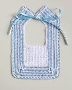 baberos ganchillo - Buscar con Google Crochet Baby Bibs, Crochet Baby Clothes, Baby Blanket Crochet, Crochet For Kids, Crochet Yarn, Crochet Crafts, Baby Knitting, Crochet Projects, Free Crochet