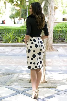 casual skirt outfits need to try casual skirt outfits need to casual skirt outfits need to tryOne of my favorite outfits would be that the pencil skirts and Pencil Skirt Outfits, Casual Skirt Outfits, Chic Outfits, Dress Outfits, Fashion Dresses, Pencil Skirts, Lean Women, Hobble Skirt, Office Fashion