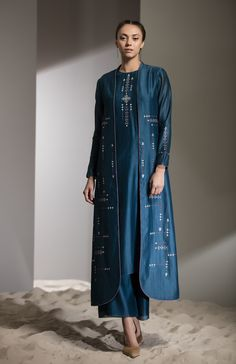 Fabric Material: Chanderi Material Composition: 100 Silk Care: Dry Clean Only Pakistani Dress Design, Pakistani Outfits, Indian Outfits, Indian Designer Outfits, Designer Dresses, Mode Abaya, Kurta Designs Women, Indian Dresses, Indian Wear