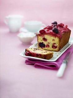 Beerenkuchen (a.k.a. Summer Berry Cake from BBC GoodFood)