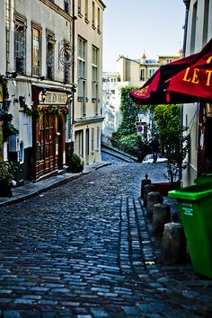 Morning Sun through an alley (rue Poulbot) at Montmartre, Paris - France