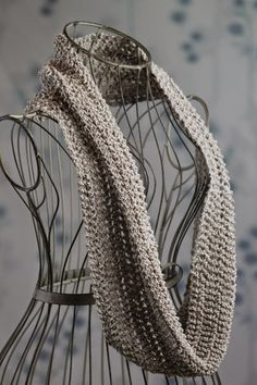 Beautiful Easy Knit Cowl