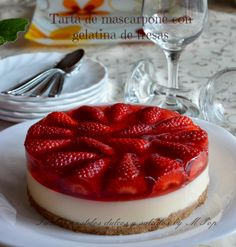 pastry tarts sweet and savory by mpop: mascarpone tart with strawberry jelly Sweet Desserts, No Bake Desserts, Sweet Recipes, Delicious Desserts, Dessert Recipes, Yummy Food, Mini Cakes, Cupcake Cakes, American Desserts