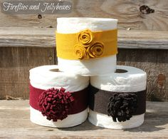 Fireflies and Jellybeans: New Bathroom and Toilet Paper Bands (Tutorial) Toilet Paper Origami, Toilet Paper Art, Knitting Projects, Sewing Projects, Craft Projects, Craft Ideas, Dyi Crafts, Cute Crafts, Towel Display