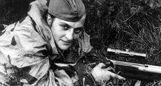 Matthäus Hetzenauer, a World War 2 Nazi Austrian sniper has an confirmed kills of 345 soviet soldiers.He was awarded the Knights cross of the Iron cross.