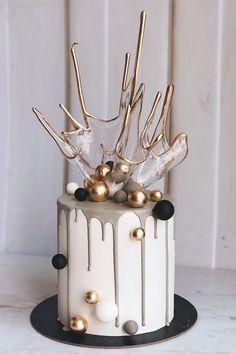 Elegant Birthday Cakes, Beautiful Birthday Cakes, Elegant Cakes, 24 Birthday Cake, Elegant Cake Design, Cake Decorating Frosting, Cake Decorating Videos, Cake Decorating Techniques, Birthday Cake Decorating