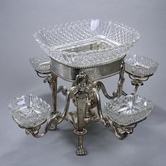Item 28 34: OLD SHEFFIELD SILVER PLATED EPERGNE CENTERPIECE : Lot 0034