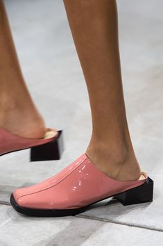 Annakiki at Milan Fashion Week Spring 2020 - Details Runway Photos Sock Shoes, Shoe Boots, Arte Art Deco, Shoe Crafts, Milan Fashion, Me Too Shoes, Heeled Boots, Pink Fashion, Kitten Heels