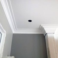 From traditional ornate plaster to modern wooden trim, discover the top 70 best crown molding ideas. Crown Molding Modern, Cove Crown Molding, Crown Molding Styles, Ceiling Crown Molding, Wall Molding, Moldings And Trim, Molding Ideas, Ceiling Coving, Ceiling Design
