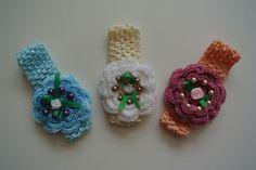 elastická čelenka s háčkovanou květinou Crochet Earrings, Christmas Ornaments, Holiday Decor, Christmas Jewelry, Christmas Decorations, Christmas Decor