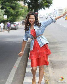 Raiza Wilson Indian Actress Photos, Indian Bollywood Actress, South Indian Actress, Celebrity Gallery, Celebrity Pictures, Hot Actresses, Indian Actresses, Wilson Movie, Raiza Wilson