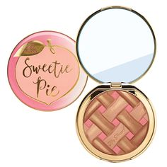 Innovative makeup and beauty products from Too Faced Cosmetics. Find trendsetting cruelty-free makeup and tips on how to apply our top-selling products for ultimate perfection. Too Faced Too Faced Bronzer, Cheek Makeup, Eye Makeup, Gold Makeup, Makeup Set, Makeup Ideas, Maquillaje Too Faced, All Things Beauty, Beauty Make Up