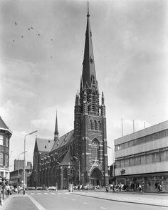 Kerk van Onze Lieve Vrouwe Hemelvaart. 1965. breda