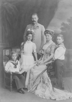 """One hundred years after their assassination on June 28, 1914, Princess Anita vonHohenberg (Maximillian's granddaughter) will honour their memory. """"We're expecting between 1,000 and 2,000 people,"""" she told FRANCE 24 in lightly accented French. """"There will be a gathering at the family tomb and a bouquet will be placed, followed by a Pontifical Requiem Mass in the basilica."""""""