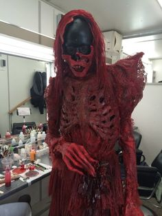 In Guillermo del Toro's 'Crimson Peak', the ghosts were actors in full makeup, enhanced by CGI (not other way around) - Album on Imgur