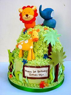 Jungle cake by neviepiecakes, via Flickr