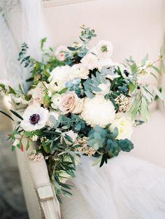 Tiia & Luke Verduci | Wedding 2016 | Photography by Mr Edwards | Lush white and green bridal bouquet by Chanele Rose
