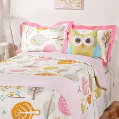 Cute owl bedding for a girl's room!