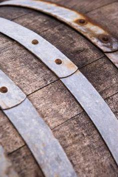 DIY whiskey barrel table