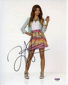 Zendaya Coleman Shake It Up! K.C. Undercover 'Zapped' Signed 8x10 Photo Certified Authentic PSA/DNA
