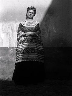 Very artistic photo of Frida Kahlo by Leo Matiz, 1946