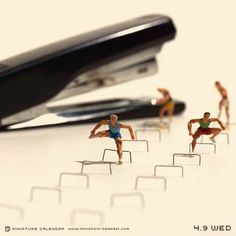 Tanaka-Tatsuya-miniature-calendar-22 A JAPANESE ARTIST CREATES EACH DAY A NEW ADORABLE MINIATURE DIORAMA