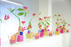 elegant colorful decoration for standing tables or bars Standing Table, Colorful Decor, Flower Arrangements, Tables, Elegant, Decoration, Flowers, Plants, Christmas
