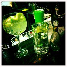 Gin tonic de Divine, ginger y cardamomo. Mailu, Dulantzi