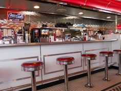 50S Diner Decor | ... breakfast on Sunday mornings. I really like the fifties diner decor