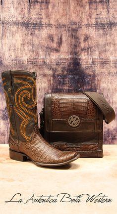 68564c088d La Auténtica Bota Western · Los mejores artículos de piel exótica.  botas   botasvaqueras  vaquero  estilovaquero