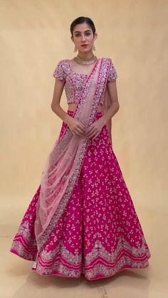 Party Wear Indian Dresses, Indian Bridal Outfits, Indian Fashion Dresses, Indian Designer Outfits, Latest Lehnga Designs, Half Saree Designs, Blouse Designs Silk, Pink Bridal Lehenga, Latest Bridal Lehenga