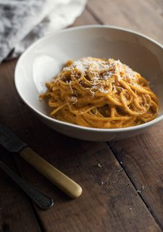 Creamy Smoked Gouda and Butternut Squash Pasta Yummy Pasta Recipes, Vegetarian Recipes, Cooking Recipes, Butternut Squash Pasta, Sauce Crémeuse, Smoked Gouda, Ha Ha, Food Inspiration, Italian Recipes