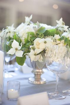 dogwood centerpiece #wedding
