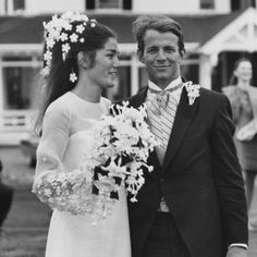 Bianca and Mike, Kurt and Courtney, and the Best Rock Star Weddings of All Time — Vogue