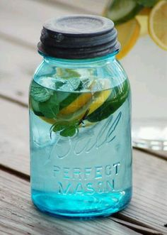 body detox: 2 lemons, 1 cucumber, 10 mint leaves, and 3 qrts of water. Fuse in the fridge over night.