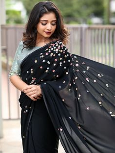 The Most Epic Designer Sarees That Are Trending Right Now! is part of Saree designs - Want to shop simple and stylish designer sarees for parties and events Do check out this brand's collection Designer Sarees Collection, Latest Designer Sarees, Saree Collection, Designer Dresses, Trendy Sarees, Stylish Sarees, Fancy Sarees Party Wear, Saree Embroidery Design, Hand Embroidery