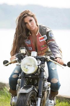 I love her hair! and I am totally doing this on my dad's motorcycle for senior pictures! such an awesome idea!