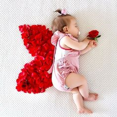 Monthly Baby Photos, Newborn Baby Photos, Baby Poses, Baby Girl Photos, Baby Girl Newborn, Mother Baby Photography, Newborn Baby Photography, Foto Baby, Shooting Photo