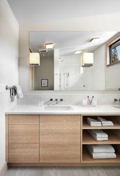meuble sous lavabo salle de bain -bois-blond-massif-étgaères-ouvertes-armoire-tiroirs