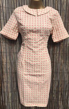 Collared 1950's Fitted Wiggle Dress Knee Length Short Sleeves Checked Size 8-18 Knee Length Shorts, Knee Length Dresses, Types Of Sleeves, Short Sleeves, Retro Shorts, 1950s Dresses, 1960s Fashion, Wiggle Dress, Retro Dress