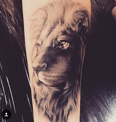 Georgeous Lion Tattoo Designs on the Sleeve - An amazing full sleeve tattoo . - Georgeous Lion Tattoo Designs on the Sleeve – An amazing full sleeve tattoo of Lion the King. Lion Head Tattoos, Leo Tattoos, Bild Tattoos, Animal Tattoos, Body Art Tattoos, Tattoo Ink, Tattoos Of Lions, Lion Tattoo On Thigh, Tattoos Skull