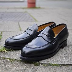 C L A S S I C   come & check out our new collection    #loafer #mensfashion #fashion #shoes #ootd   #mradamshoes #avenuelouise #brussels