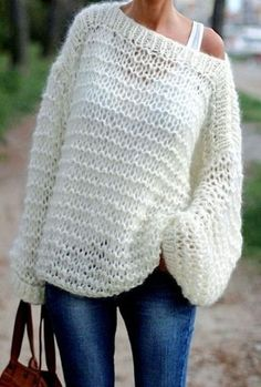 Catcat et son dressing diy - le pull oversize-didi Knitting Terms, Knitting Patterns Free, Hand Knitting, Free Pattern, Loom Patterns, Knitting Pullover, Handgestrickte Pullover, Warm Dresses, Hand Knitted Sweaters