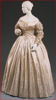 Ivory Figured-Silk Wedding Dress, American Quaker, 1841.