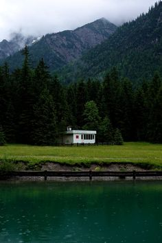 A cabin at a lake in the rainy but beautiful Austrian Alps. (c) by www.lttw.de