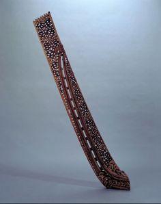 Tau-rapa (war canoe stern-piece)