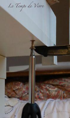 Aménager son atelier (1) : la table de découpe [Tuto inside] - Le Temps de Vivre... Coin Couture, Decoration, Sewing, Room, Home Decor, Cutting Tables, Alteration Shop, Furniture, Table